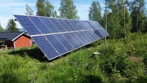Solceller på markstativ, monterat för Innosund AB.